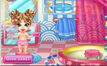 Играть онлайн Малышка в бассейне бесплатно
