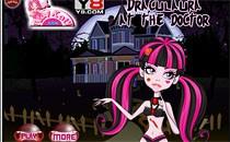 Играть онлайн Дракулаура у доктора бесплатно