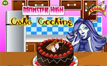 Играть онлайн Монстер Хай приготовление пирога бесплатно