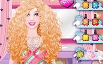 Играть онлайн Салон причесок Барби бесплатно